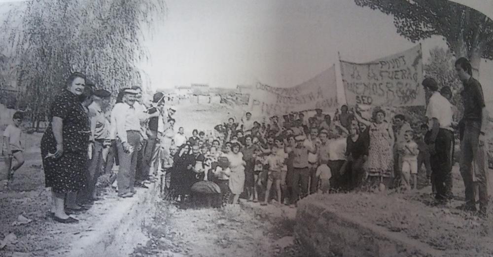 Vecinos de Villanueva de la Fuente manifestandose
