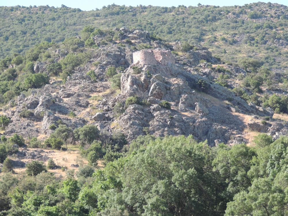 ruinas de la torre vigia de los  baños del santo cristo